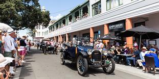 ADF-2020-622-x-310-ADT-Website-Vintage-Car-Parade-&-Parking